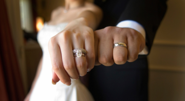 Engagement Rings Vs Wedding What S The Difference